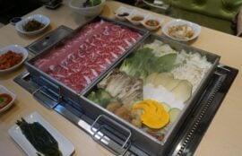 韓国新村(シンチョン)にある、お野菜とお肉をたっぷり食べれる『찜수성찬(チムスソンチャン)』をご紹介^0^